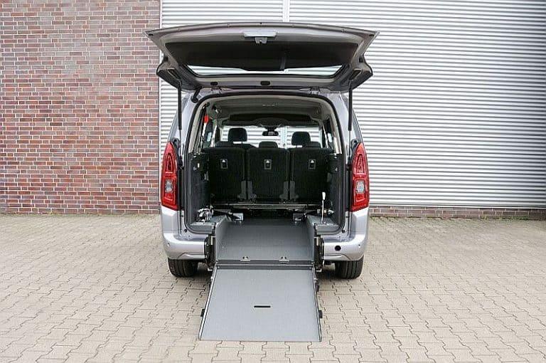 AMF-Bruns Opel Combo L2 (1) klein